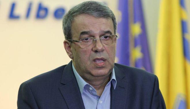 Foto: Senatorul Vergil Chițac riscă dosar penal pentru că nu s-a autoizolat la întoarcerea în țară