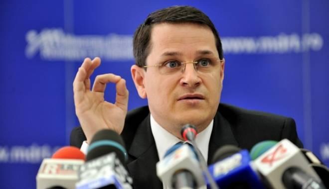 """Foto: """"Voi demisiona din PE și din PNL imediat ce primesc mandatul de la SRI"""""""