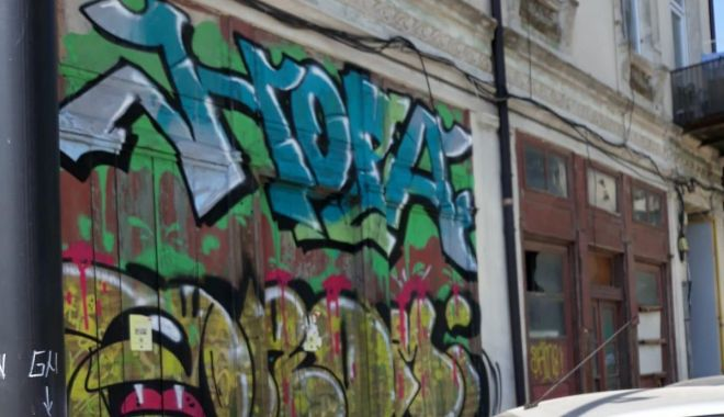 Foto: Desenele grafitti din oraș, șterse de RAEDPP