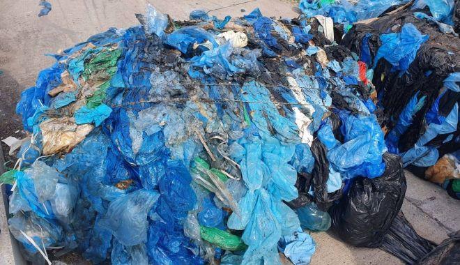 Foto: Stop transferului ilegal de gunoaie! Container cu deșeuri, trimis înapoi în Anglia