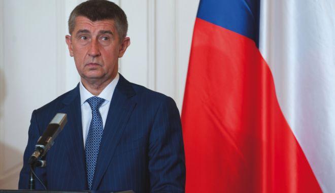 Foto: Deși anchetat, premierul ceh refuză să demisioneze!
