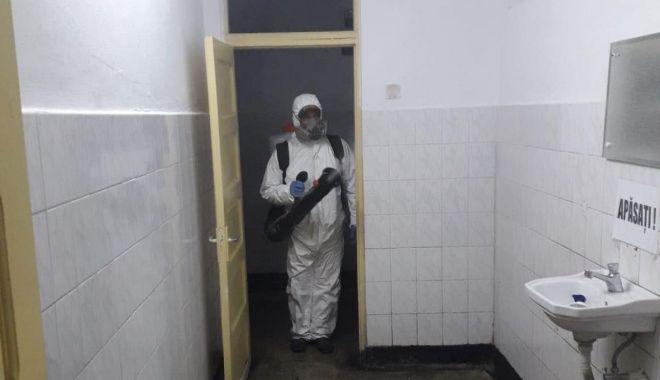 Foto: Piețele constănțene sunt dezinfectate