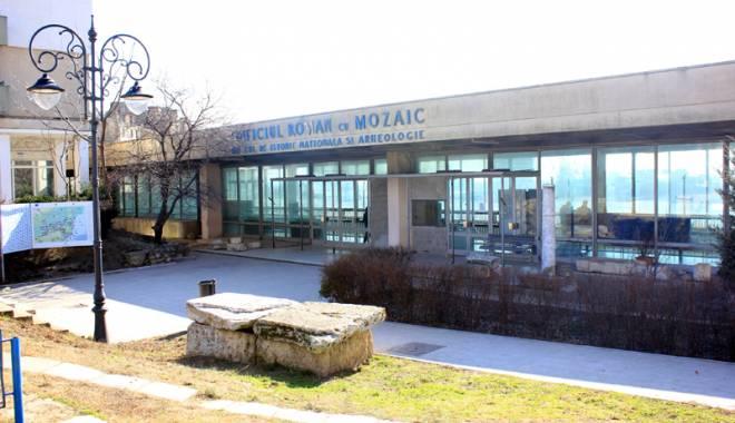 Semnal de alarmă! Monumentele istorice din Constanța se prăbușesc - directoriireclama13-1429807124.jpg