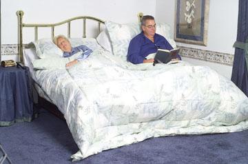 Discuția dinainte de culcare - discutieinpat-1352028927.jpg