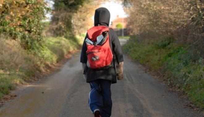 O fată e dată dispărută după ce a plecat de la școală. Familia crede că a fost răpită - disparut-1569050645.jpg