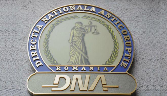 Foto: Fost director de la Apele Române, reținut de DNA pentru o presupusă mită de 1 milion de euro