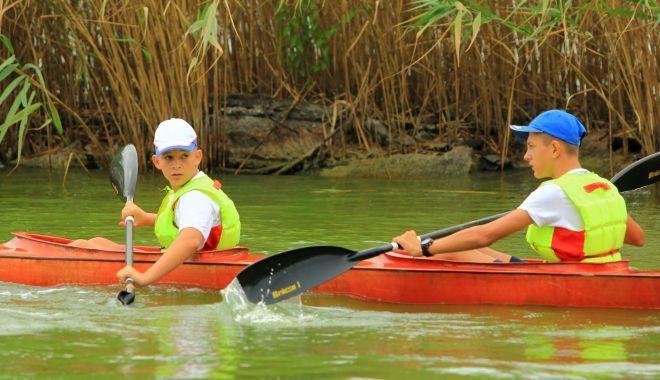 """Foto: Doar trei sportivi de la CS Farul se pot antrena la kaiac-canoe. """"Suntem mai catolici decât Papa!"""""""