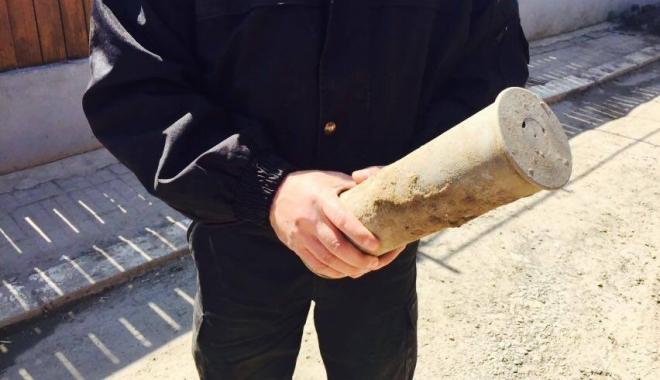 FOTO ȘI VIDEO. Proiectil găsit de un localnic din Medgidia, în grădină - doi-1459683026.jpg