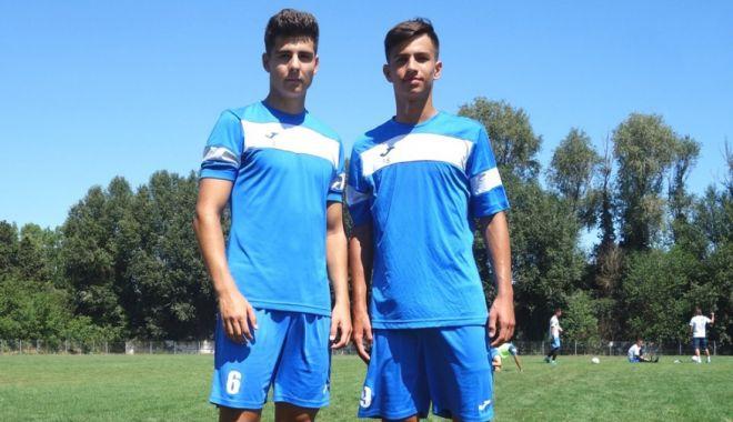 Doi juniori din Academia FC Farul se pregătesc cu echipa mare - doijuniori-1596547952.jpg