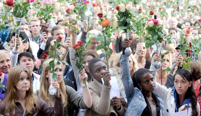 Zi de doliu național în Norvegia,  în memoria victimelor atacurilor lui Breivik - doliunationalnorvegia-1313932909.jpg