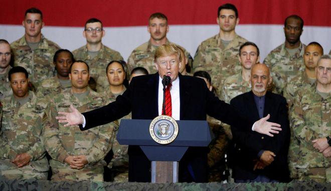 Foto: Donald Trump este pregătit să semneze un eventual acord cu talibanii