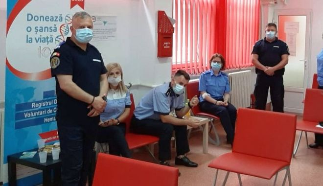 Polițiștii și jandarmii din Constanța, donatori de sânge - donaresangepolitisti2-1591952837.jpg