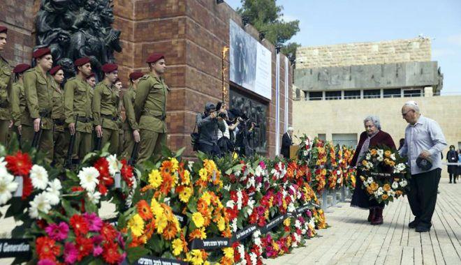 Foto: Două minute de reculegere în memoria victimelor Holocaustului, în Israel