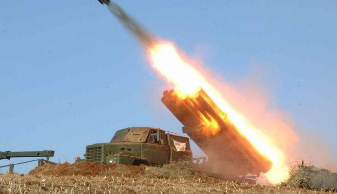 Două proiectile neidentificate au fost lansate de Koreea de Nord - douaproiectile-1565125907.jpg