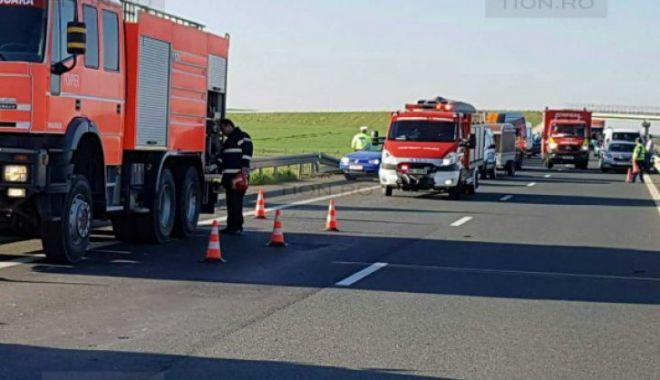 GALERIE FOTO / Accident cu cinci victime pe A1. Circulația, oprită - download241600x450721476300-1524382764.jpg