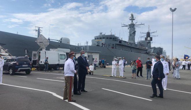 Festivitățile de Ziua Marinei sunt găzduite, anul acesta, de Portul Militar Constanța. GALERIE FOTO - e16f2d527fd743a780bafee718dadb23-1597472463.jpg