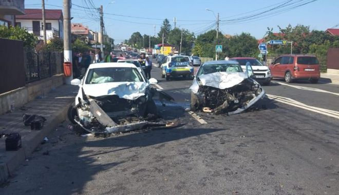 GALERIE FOTO/ Accident rutier grav în 23 August. Opt persoane au fost rănite - e1f2901ae6d14c39805e5d00cd5eb4a8-1627137228.jpg