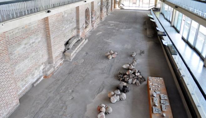 Ce monumente istorice din Constanța restaurăm și cu ce bani - edificiulromancumozaic-1349448984.jpg