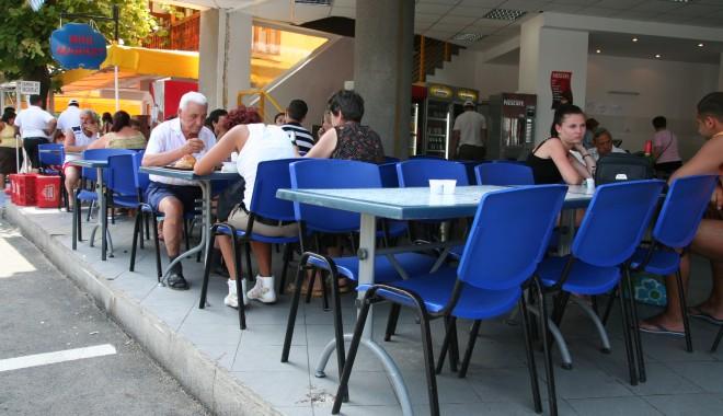 Foto: Restaurantele și terasele, luate la puricat de inspectorii de muncă