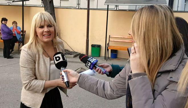 Lovitură pentru Elena Udrea! Sechestru de 4,7 milioane de euro în dosarul Hidrolectrica - elenaudrea-1538398975.jpg