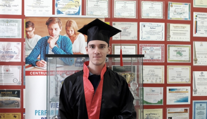 Elev al Liceului Internațional de Informatică, admis la Universitatea Oxford - elevconstanteanraduzevri-1516123735.jpg