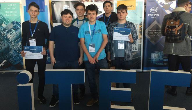 Elevi ai Liceului Internațional, premianți la un concurs de IT - elevi2-1576248322.jpg