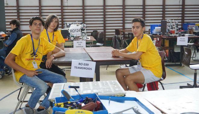 Foto: Elevi din Medgidia, premiați la Tabăra de Robotică