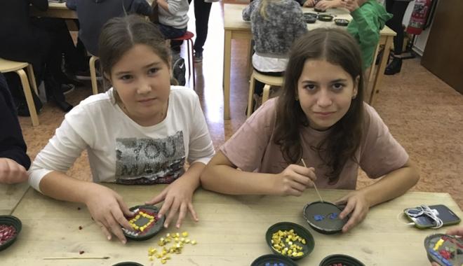 """Foto: Elevii de la Școala """"Gheorghe Țițeica"""" promovează tradițiile dobrogene în Italia"""