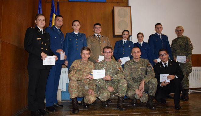 Elevii de la școlile militare, în sesiune de comunicări științifice, la Constanța - eleviidelascolilemilitare-1573508139.jpg