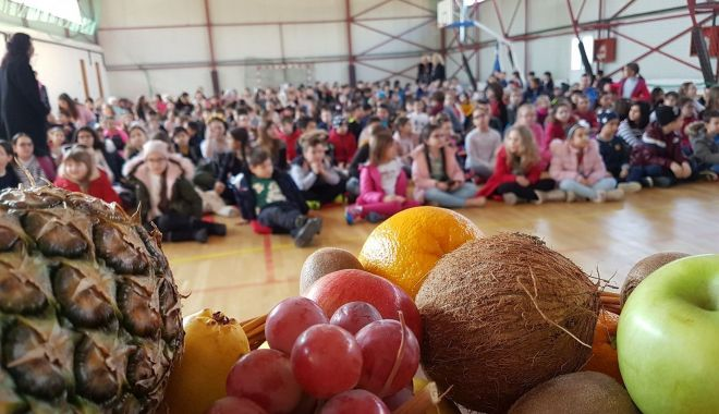Foto: Elevii din Constanța învață să mănânce sănătos