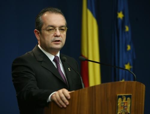 Boc: Școala românească nu va mai fi doar furnizor de diplome, ci de programe de formare - emilboc-1315750544.jpg