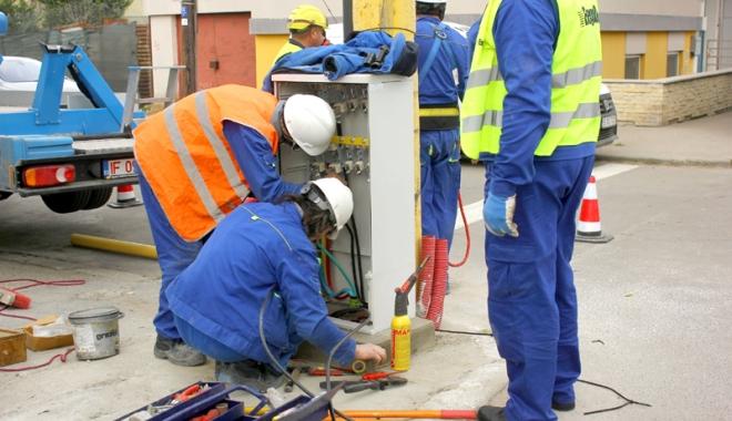 Se oprește curentul electric, la Constanța - enelcurentmuncitoripanouelectric-1516546237.jpg