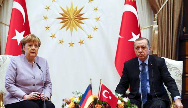 Foto: Erdogan vrea să întoarcă o pagină nouă în relațiile cu Germania