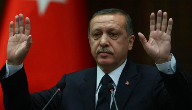 Foto: Premierul turc și-a suspendat turneul electoral după ce a rămas fără voce
