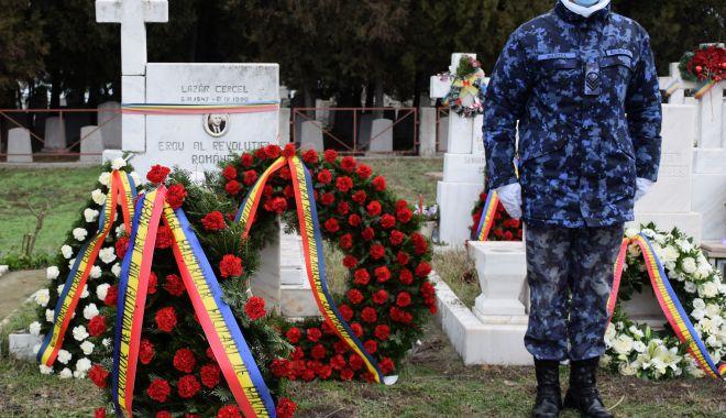 Eroii din Decembrie 1989, comemorați de marinarii militari - eroii1-1608663968.jpg