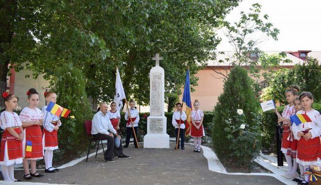 Foto: Eroii neamului, omagiați la Cumpăna
