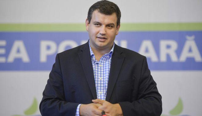 """Foto: Eugen Tomac: """"Anticipatele ar putea crea un haos politic în România"""""""
