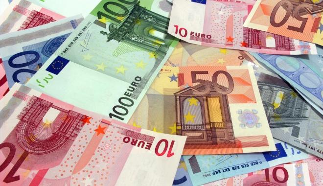 Euro câștigă 0,11% în confruntarea cu leul - euro-1489158064.jpg