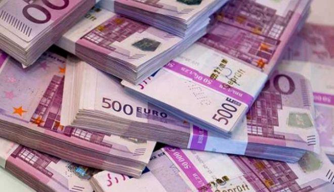 Datoria externă totală a României a crescut cu 4,25 miliarde euro în primele 6 luni - euro-1565705449.jpg