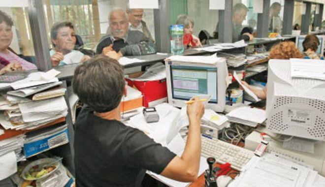 Foto: Iată când vor fi evaluați funcționarii publici