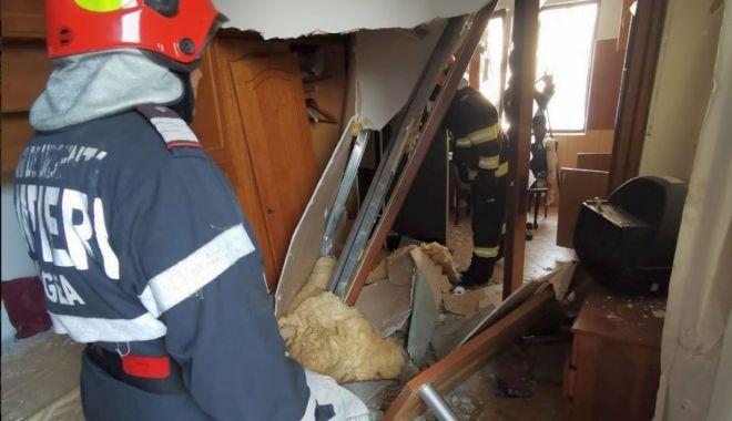 Explozie într-un bloc din Constanța. Trei persoane, în stare gravă la spital - exploziebuteliesursaisudobrogea1-1592149276.jpg