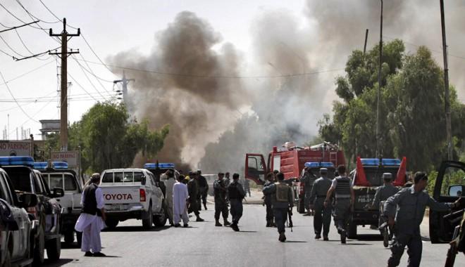 Kabul: Opt morți, în urma unor explozii provocate de un kamikaze - exploziekabul-1313768504.jpg