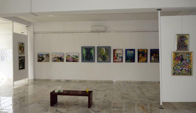 Salonul de primăvară debutează cu o expoziţie de grup - expo-1614948681.jpg