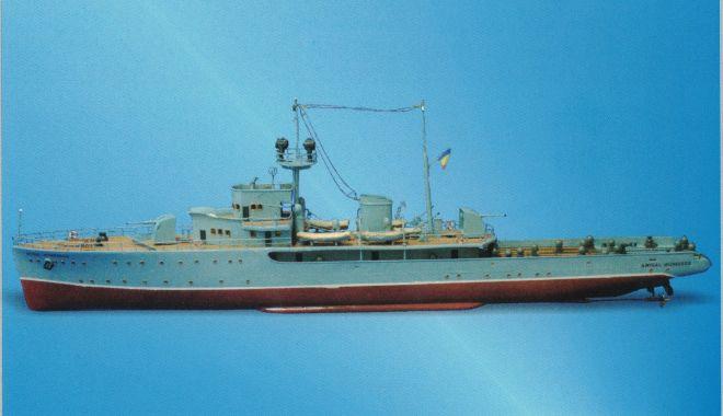 """Foto: Muzeul Marinei vă invită să admirați macheta puitorului de mine """"Amiral Murgescu"""""""