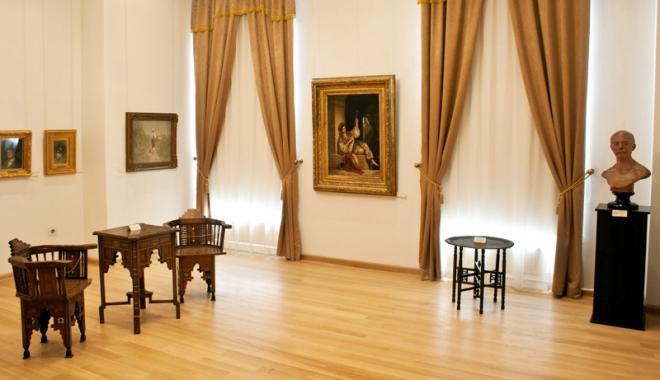 """Foto: Bienala de Artă """"Aegyssus"""" va prezenta publicului 69 de lucrări"""