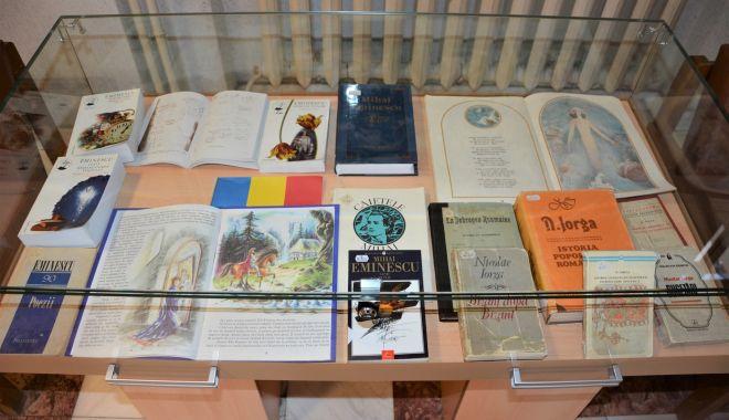Scriitori la ceas aniversar, la Ziua Culturii Naționale - expozitie2-1578867261.jpg