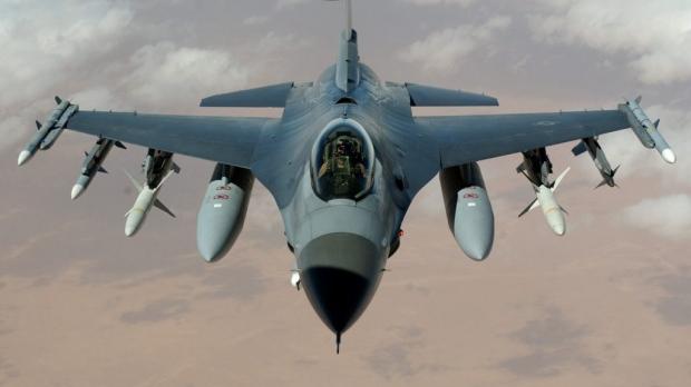 Foto: Gabriel Leș: România negociază cumpărarea a încă 48 de avioane F-16