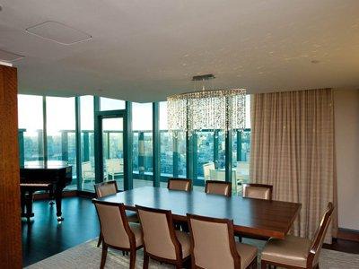 Cele mai luxoase apartamente prezidențiale din hotelurile americane (GALERIE FOTO) - favoritefeatureofthepresidential-1329659453.jpg