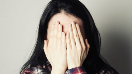 Bătută și amenințată că va fi călcată cu mașina, de tatăl unei colege de clasă - femeiedepresiepozabunacamasa6598-1573563461.jpg