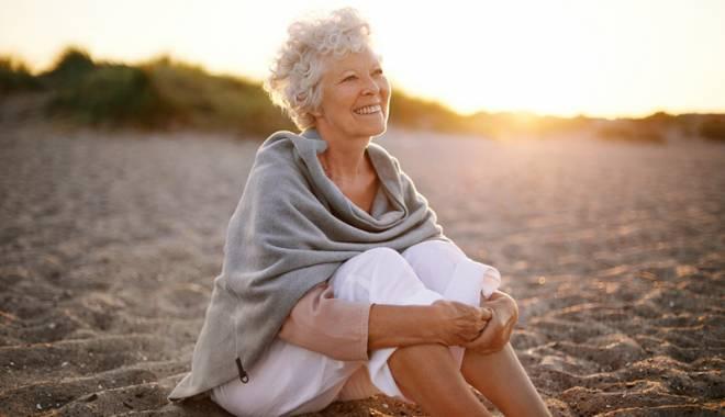 Foto: Femeile s-ar putea pensiona mai devreme. Cine se încadrează